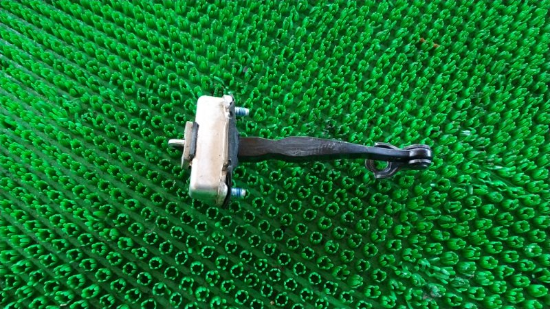 Ограничитель двери Infiniti Qx56 Z62 VK56 2012 передний правый (б/у)