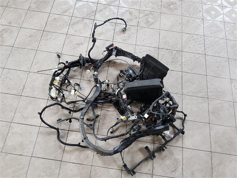 Блок предохранителей под капот Lexus Is200T ASE30 8ARFTS 2015 (б/у)