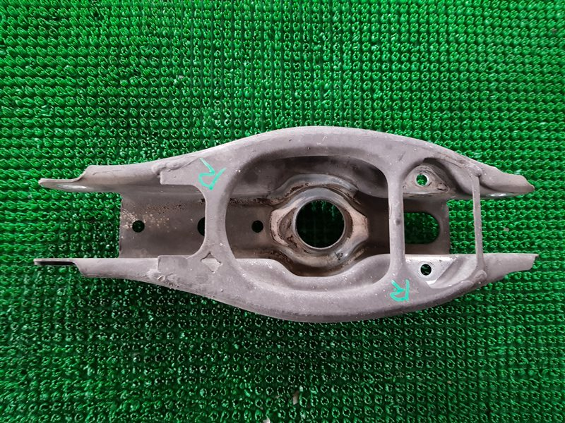 Рычаг Bmw 3-Series E90 N52B30 2007 задний правый (б/у)