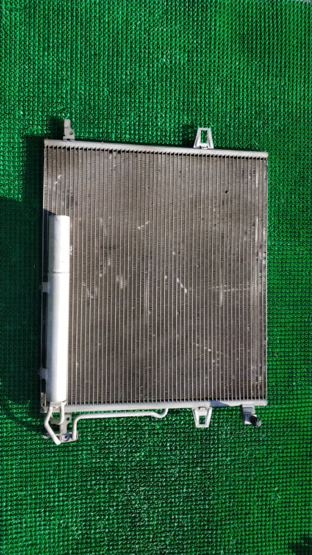Радиатор кондиционера Mercedes-Benz M-Class W164 M272 E35 2008 (б/у)