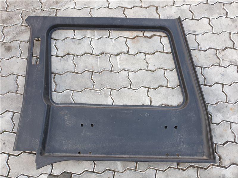 Обшивка багажника Mercedes-Benz G-Class W463 M104 E32 1998 правая (б/у)