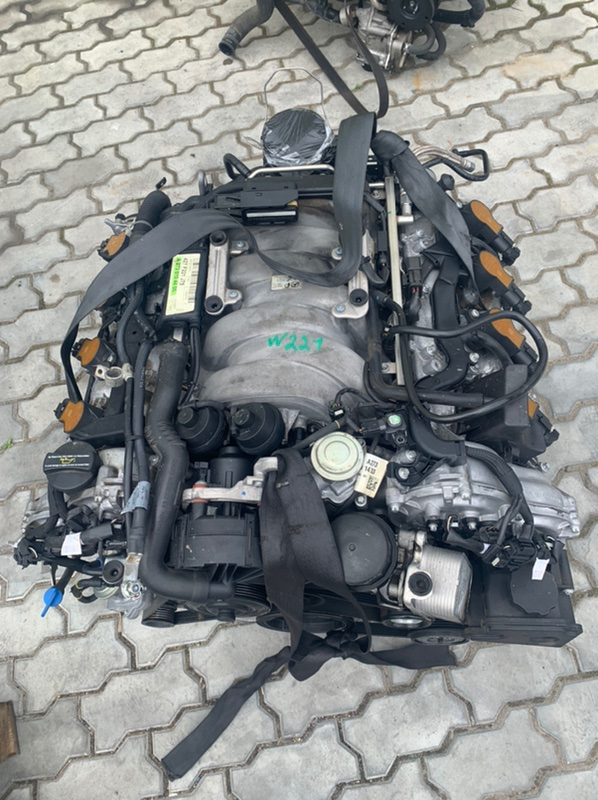 Корпус масляного фильтра Mercedes-Benz S-Class W221 M273 E55 2008 (б/у)
