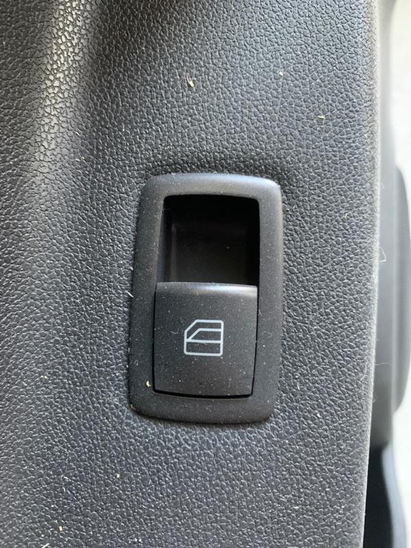 Кнопка стеклоподъемника Mercedes-Benz M-Class W164 M272 2008 передняя правая (б/у)