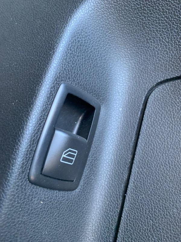 Кнопка стеклоподъемника Mercedes-Benz M-Class W164 M272 2008 задняя правая (б/у)