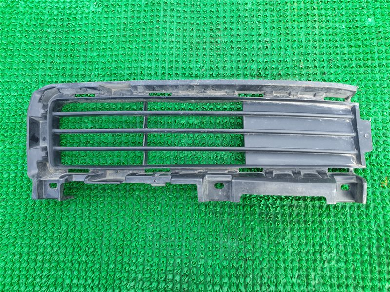Решетка бампера Lexus Gx460 URJ150 1URFE 2012 передняя правая (б/у)