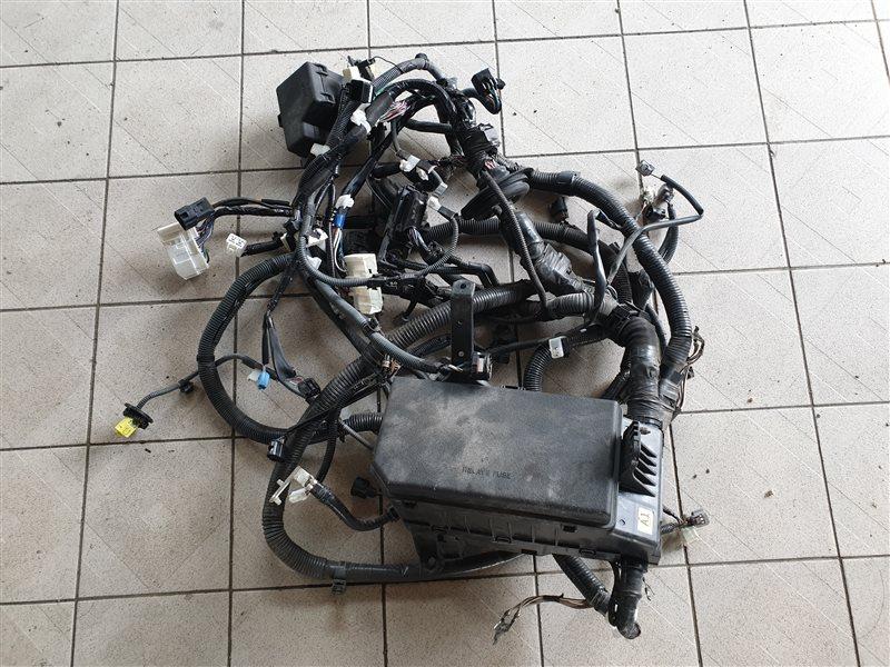 Блок предохранителей под капот Lexus Gx460 URJ150 1URFE 2014 (б/у)