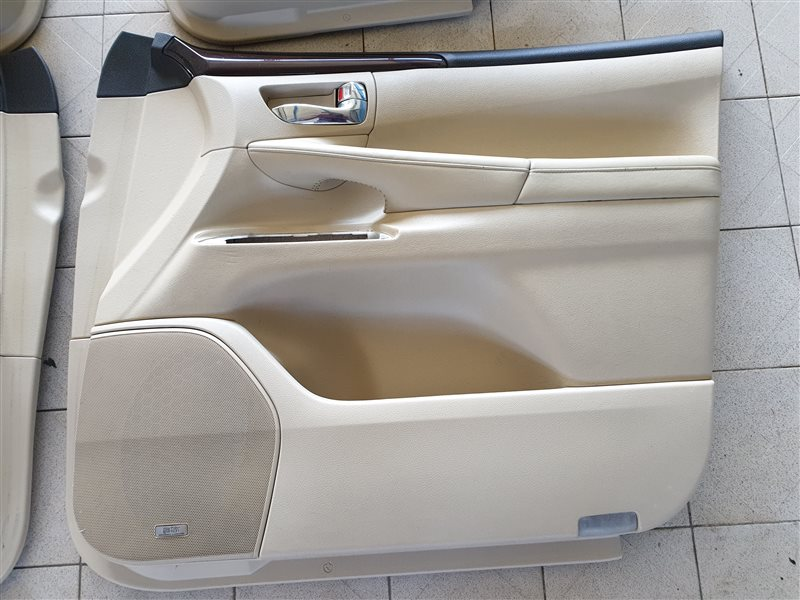 Обшивка двери Lexus Lx570 URJ201 3URFE 2009 передняя правая (б/у)