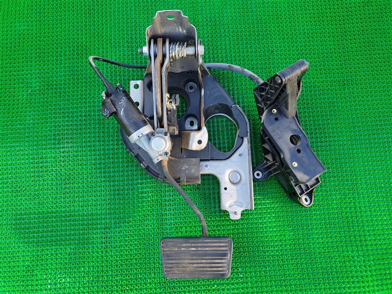 Педаль тормоза Cadillac Escalade GMT900 L92 2008 (б/у)