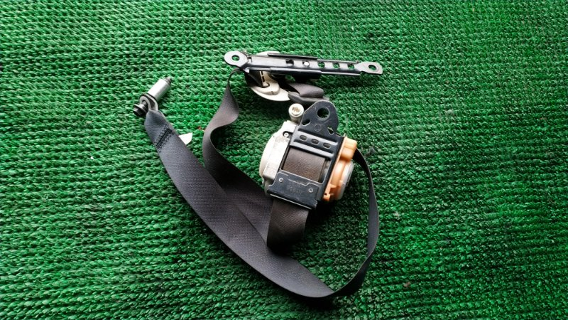 Ремень безопасности Infiniti Qx56 Z62 VK56VD 2012 передний правый (б/у)