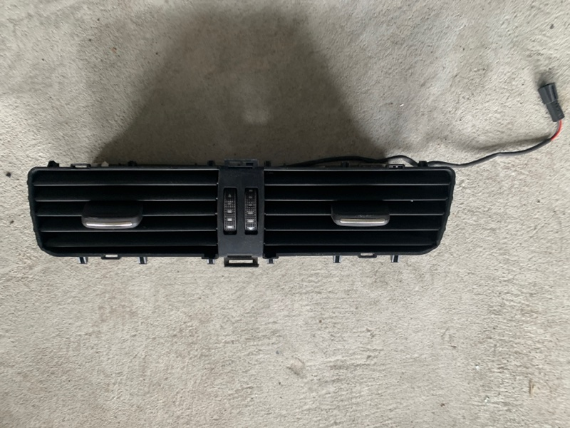 Дефлектор воздушный Audi Q5 8RB CDNB 2009 (б/у)