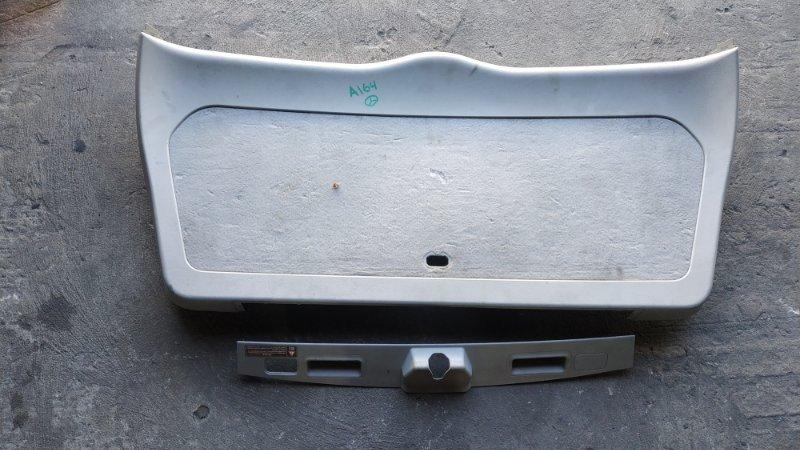 Обшивка двери багажника Mercedes-Benz M-Class W164 M272E35 2006 (б/у)