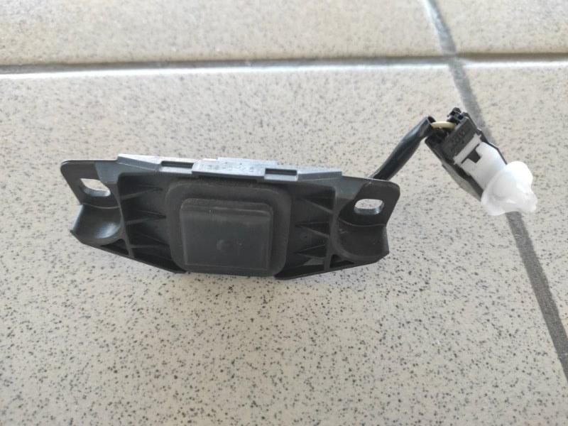 Кнопка открывания багажника Lexus Gs450H GWL10 (б/у)