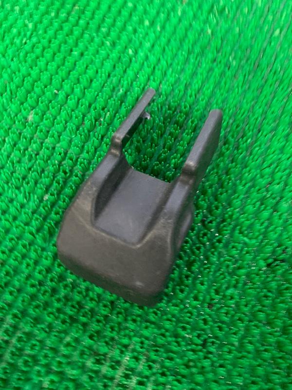 Крышка петли сиденья Lexus Rx350 GGL15 2GRFE 2009 (б/у)