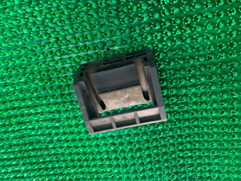 Кронштейн радиатора Bmw X5 E70 N62B48 2007 (б/у)