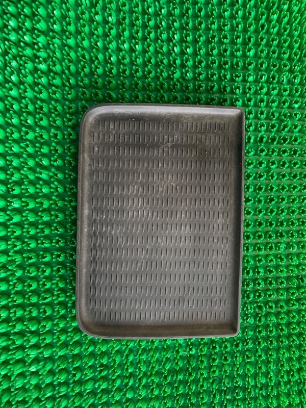 Коврик Bmw X5 E70 N62B48 2007 (б/у)