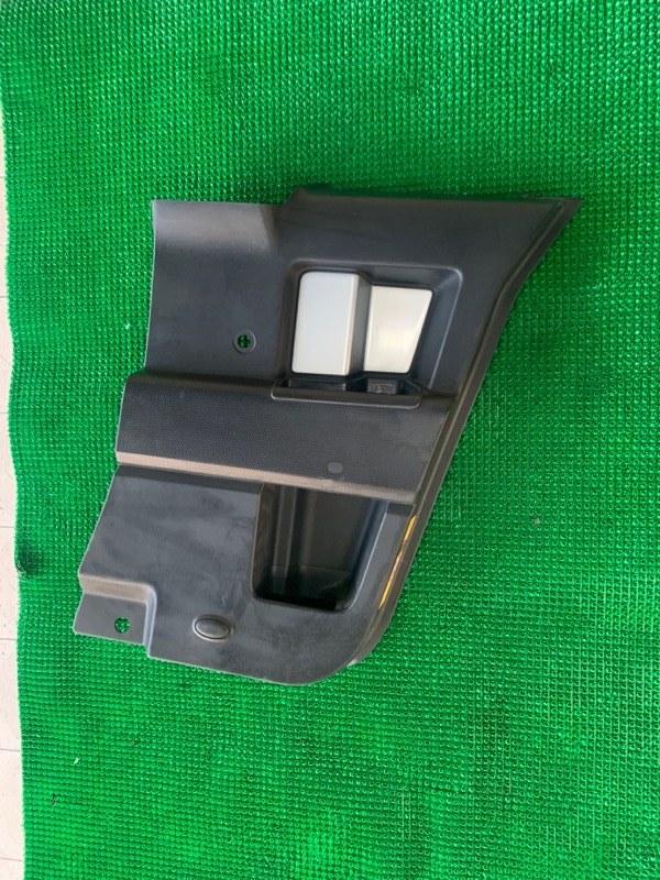 Обшивка двери Toyota Fj Cruiser GSJ15 1GRFE 2007 задняя правая (б/у)