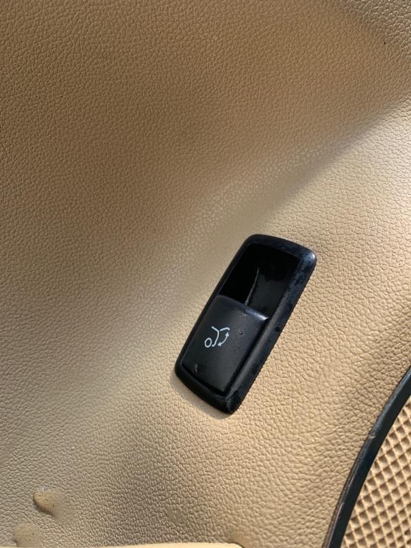 Кнопка открывания багажника Mercedes-Benz Gl-Class X164 M273KE55 2008 (б/у)