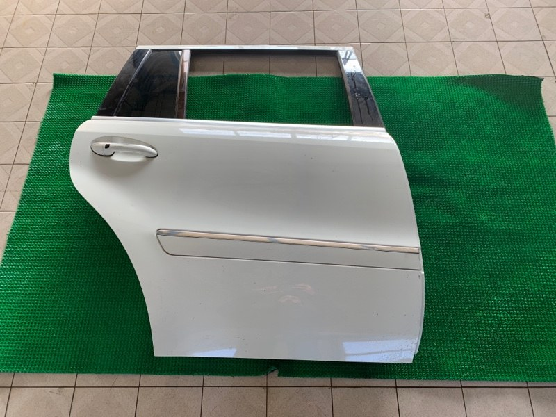 Дверь Mercedes-Benz Gl-Class X164 M273KE55 2008 задняя правая (б/у)