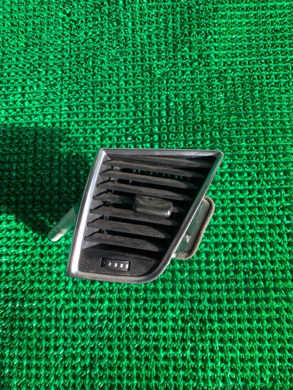Дефлектор воздушный Audi Q5 8R CAGA 2009 (б/у)