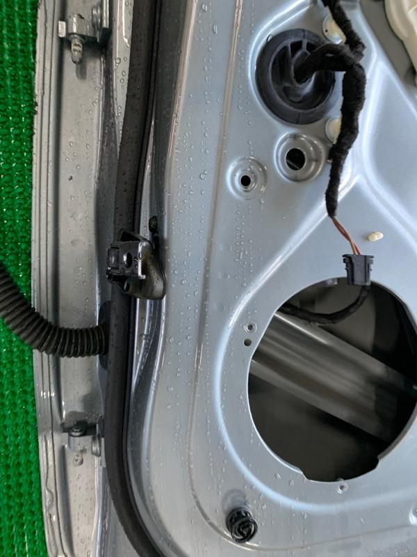 Ограничитель двери Audi Q5 8R CAGA 2009 задний правый (б/у)