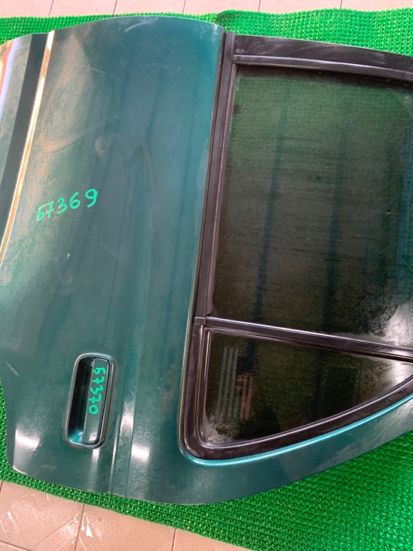 Молдинг стекла Toyota Hilux Surf VZN185 5VZFE 1997 задний левый (б/у)