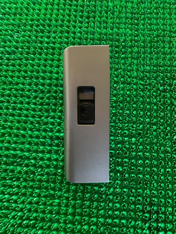Кнопка стеклоподъемника Nissan Pathfinder R51 VQ40DE 2006 задняя правая (б/у)
