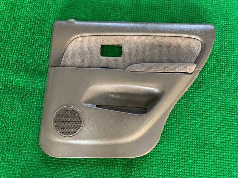 Обшивка двери Toyota Hilux Surf VZN185 5VZFE 1997 задняя правая (б/у)