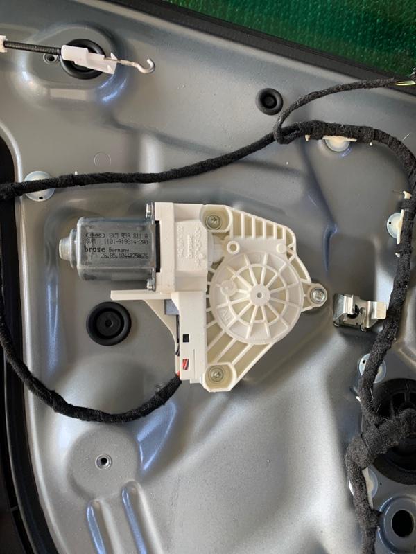 Стеклоподъемник Audi Q5 8R CAGA 2009 задний левый (б/у)