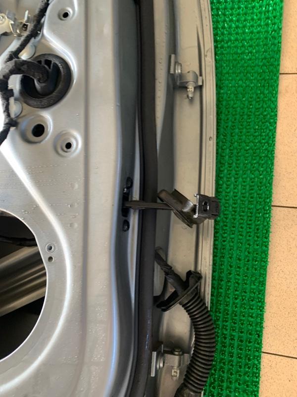 Ограничитель двери Audi Q5 8R CAGA 2009 задний левый (б/у)