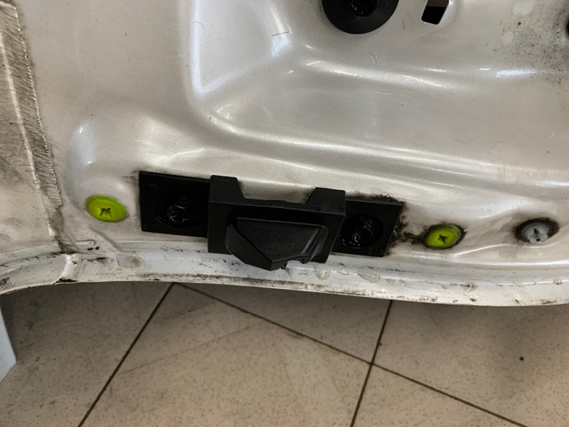 Отбойник двери багажника Lexus Nx AGZ15 8ARFTS 2014 задний левый (б/у)