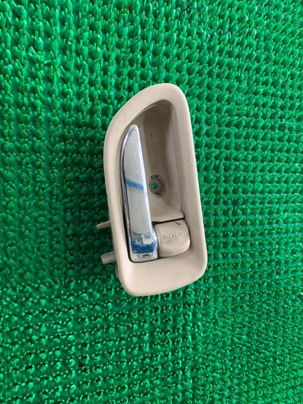 Ручка двери внутренняя Subaru B9 Tribeca WXE EZ30 2004 правая (б/у)