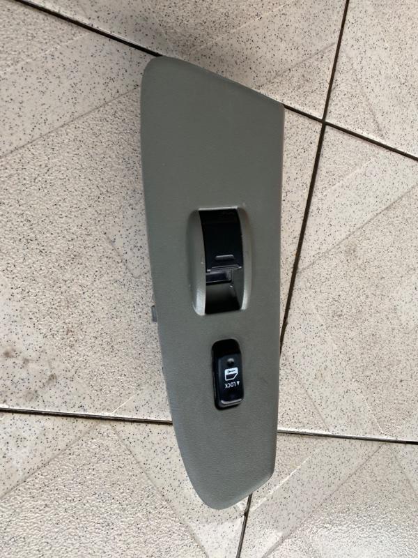 Кнопка стеклоподъемника Toyota Tacoma GRN245 1GRFE 2005 передняя правая (б/у)