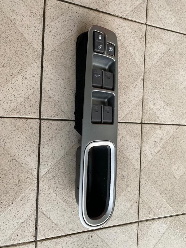 Блок управления стеклоподъемниками Subaru B9 Tribeca WXE EZ30 2004 передний левый (б/у)