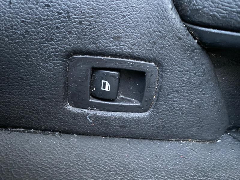 Кнопка стеклоподъемника Bmw X5 E70 N62B48 2006 задняя правая (б/у)