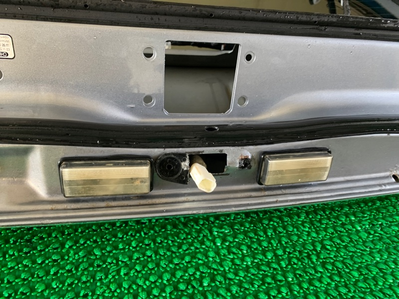 Подсветка номера Lexus Lx470 UZJ100 2UZFE 1998 задняя (б/у)