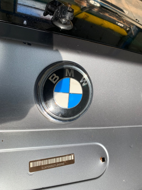 Эмблема багажника Bmw X5 E70 N62B48 2006 (б/у)