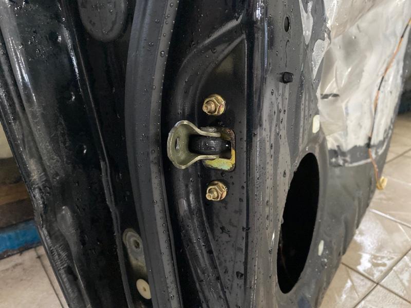 Ограничитель двери Subaru B9 Tribeca WXE EZ30 2004 задний правый (б/у)
