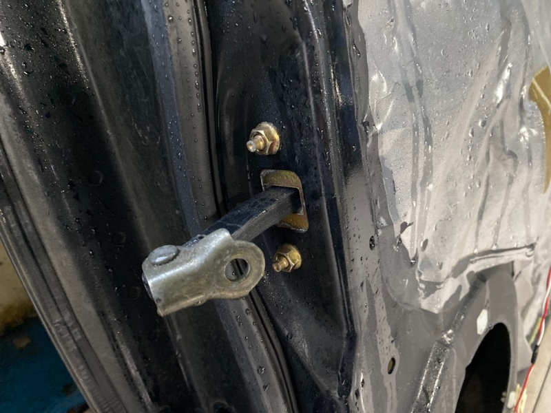 Ограничитель двери Subaru B9 Tribeca WXE EZ30 2004 передний правый (б/у)