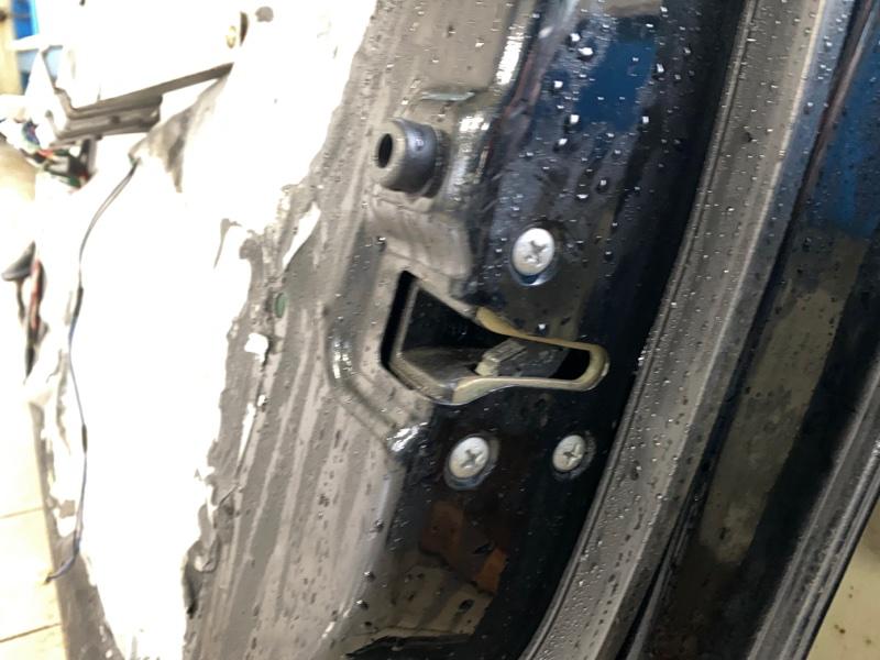 Замок двери Subaru B9 Tribeca WXE EZ30 2004 передний правый (б/у)