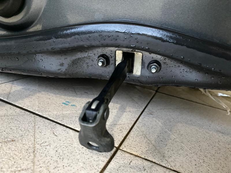 Ограничитель двери Toyota Venza GGV15 2GRFE 2010 передний правый (б/у)