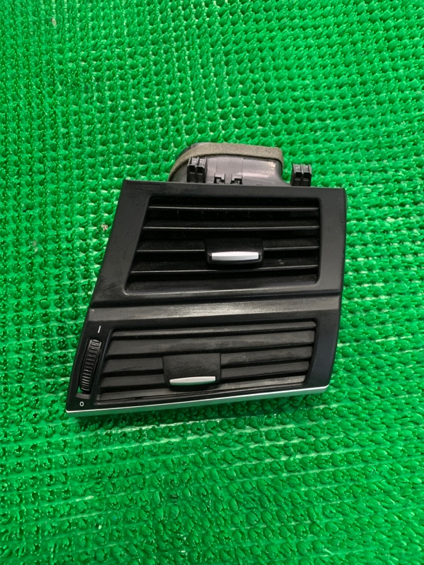 Дефлектор воздушный Bmw X5 E70 N62B48 2006 (б/у)