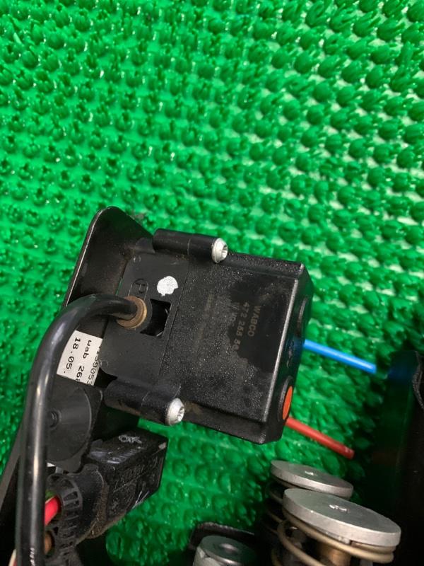 Блок клапанов подвески Bmw 7-Series F01 N63B44 2008 (б/у)