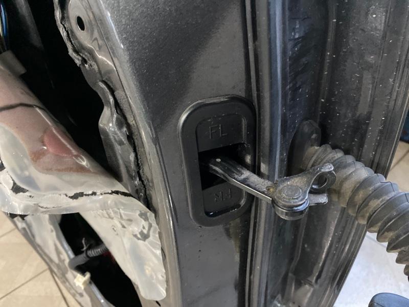 Ограничитель двери Nissan Titan A60 VK56DE 2004 передний левый (б/у)