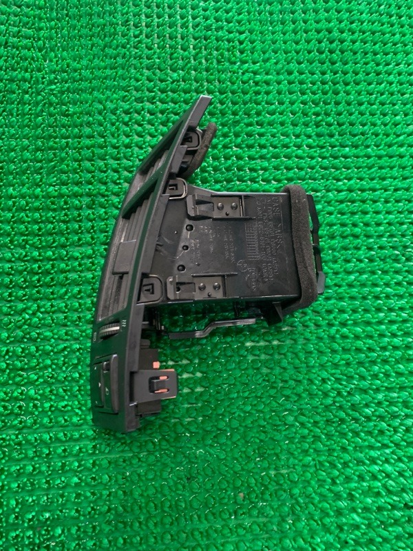Дефлектор воздушный Infiniti Fx45 S50 VK45DE 2004 левый (б/у)