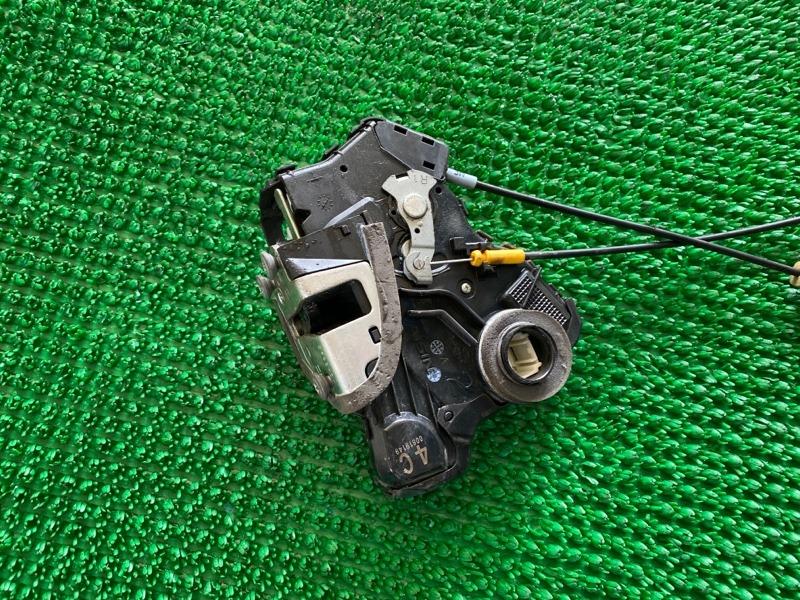 Замок двери Toyota Land Cruiser UZJ200 3URFE 2008 задний правый (б/у)