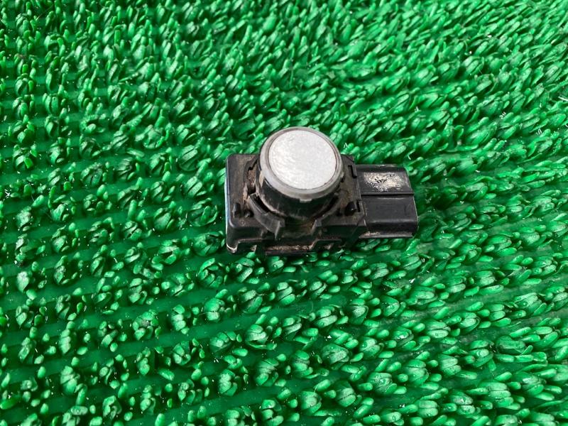 Датчик парковки Toyota Land Cruiser GRJ200 2UZFE 2008 задний (б/у)