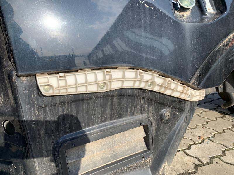 Крепление бампера Mitsubishi Pajero V83W 4M41 2008 заднее правое (б/у)