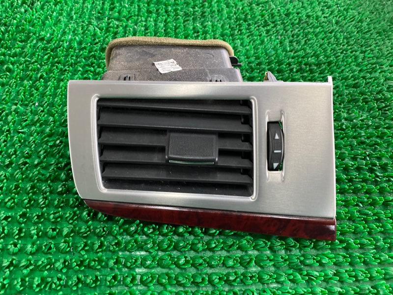 Дефлектор воздушный Cadillac Escalade GMT900 L94 2007 левый (б/у)