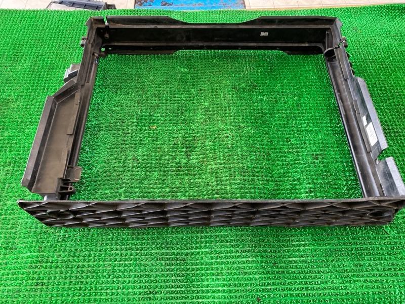 Рамка радиатора Bmw 7-Series E65 N62B48 2006 (б/у)