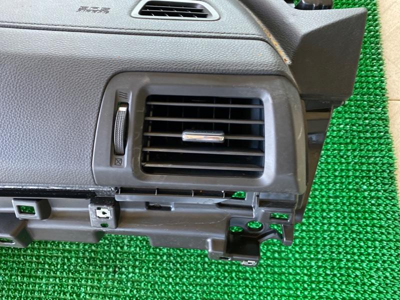 Дефлектор воздушный Honda Ridgeline 5FPYK3F54HB019382 J35Y6 2015 правый (б/у)